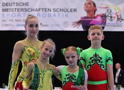 Camille Herrmann und Lilly Kutta (Schwerin) sowie Daniel Blintsov und Sneschana Sinkov (Riesa) gewannen je einmal den Ehrenpreis für die Tagenshöchstnote.